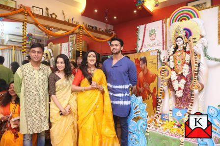 Team Ahaa Re Graces Saraswati Puja Celebrations at Rituparna Sengupta's House