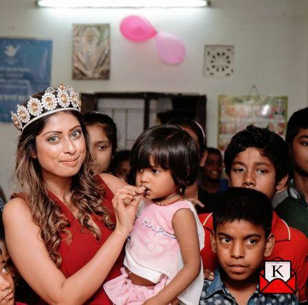 Fashion Icon Lopamudra Mandal Celebrates Birthday With Kids of Tiljala Shed